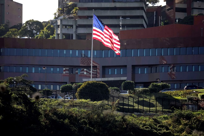 epa07316996 A view of the US Embassy, in Caracas, Venezuela, 24 January 2019. Venezuelan President Nicolas Maduro ordered the closing of the country's embassies and consulates in the US and the exit of US diplomats from Venezuela. The move is a further decline in diplomatic relations between the two countries, after US recognition of an opposition leader as Venezuela's interim president.  EPA/MIGUEL GUTIERREZ