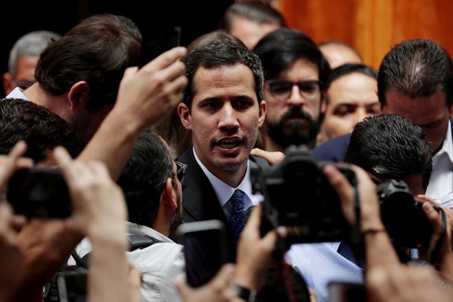 Βενεζουέλα: Αποπομπή από το αξίωμά του και στέρηση δικαιώματος του εκλέγεσθαι για τον Χουάν Γκουαϊδό