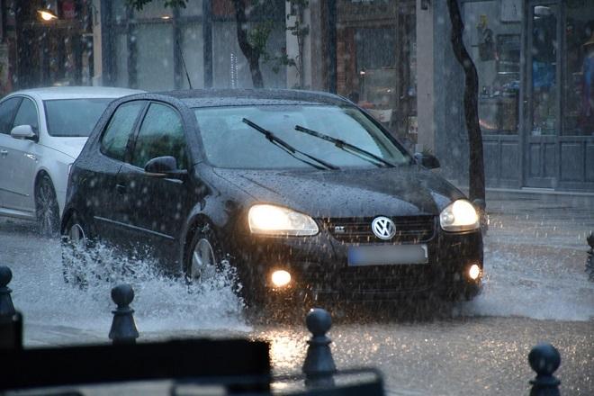 Ραγδαία επιδείνωση του καιρού την Παρασκευή με βροχές και καταιγίδες