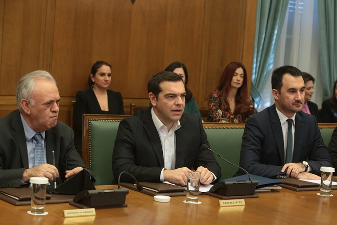 O πρωθυπουργός Αλέξης Τσίπρας (Κ), ο αντιπρόεδρος της κυβέρνησης Γιάννης Δραγασάκης (Α) και ο ΥΠΕΣ Αλέξης Χαρίτσης (Δ) στη σημερινή συνεδρίαση του Υπουργικού Συμβουλίου στη Βουλή , Δευτέρα 28 Ιανουαρίου 2019.  Συνεδρίασε στη Βουλή το Υπουργικό Συμβούλιο υπό την προεδρία του πρωθυπουργού Αλέξη Τσίπρα. ΑΠΕ-ΜΠΕ/ΑΠΕ-ΜΠΕ/Παντελής Σαίτας