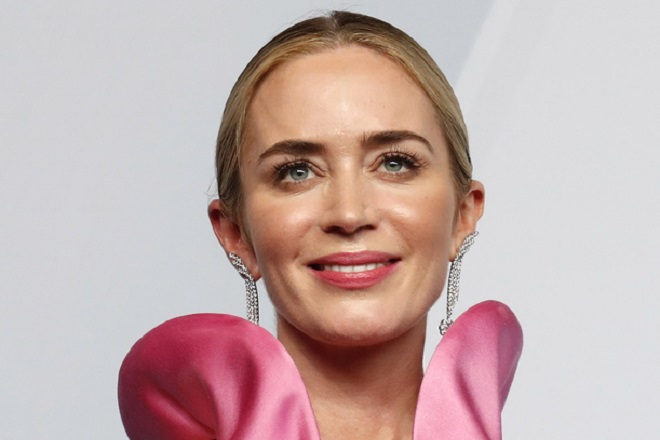 epaselect epa07326633 Emily Blunt poses with the SAG Award for Outstanding Performance by a Female Actor in a Supporting Role in 'A Quiet Place' during the 25th annual Screen Actors Guild Awards ceremony at the Shrine Auditorium in Los Angeles, California, USA, 27 January 2019.  EPA/NINA PROMMER