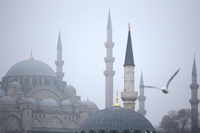 Η Τουρκία «ξεπούλησε» δύο δισ. συνάλλαγμα σε μια εβδομάδα