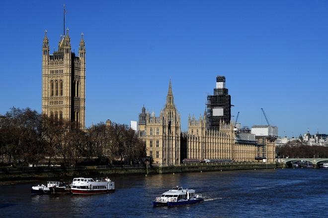 Πώς διαμορφώνεται πλέον η εικόνα του βρετανικού κοινοβουλίου μετά τις απανωτές παραιτήσεις