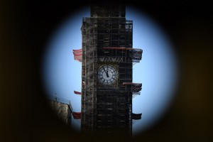 epa07327574 'Big Ben' of the British Parliament building photographed through a binocular stands at five minutes to noon in London, Britain, 28 January 2019. On 29 January British Parliament will vote on British Prime Minister Theresa May's Plan B for Brexit and discuss the next steps proposed by May and alternative plans by MEPs, including plans to delay Britain's exit on 29 March 2019 by requesting an extension of the two-year negotiation period for Article 50.  EPA/ANDY RAIN