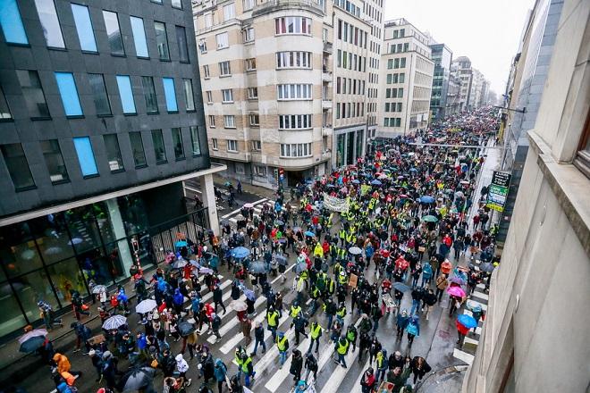Στους δρόμους των Βρυξελλών 70.000 άνθρωποι για το περιβάλλον