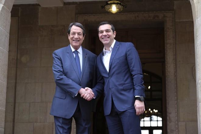 (Ξένη Δημοσίευση)  Ο Πρόεδρος της Κυπριακής Δημοκρατίας Νίκος Αναστασιάδης (Α) υποδέχεται τον πρωθυπουργό Αλέξη Τσίπρα (Δ), κατά την διάρκεια της  διμερής συνάντησης τους στο Προεδρικό Μέγαρο στη Λευκωσία, την Τετάρτη 30 Ιανουαρίου 2019. ΑΠΕ-ΜΠΕ/ΓΡΑΦΕΙΟ ΤΥΠΟΥ ΠΡΩΘΥΠΟΥΡΓΟΥ/Andrea Bonetti