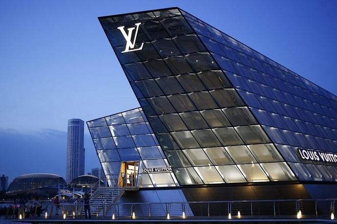 Στο «στόχαστρο» των δασμών του Τραμπ και ο όμιλος Louis Vuitton