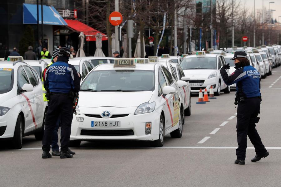 Η Βαρκελώνη «πέταξε» έξω από την πόλη την Uber