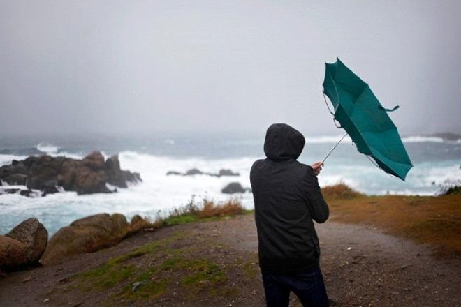 Καιρός: Βροχές, καταιγίδες και πτώση θερμοκρασίας- Πού θα «χτυπήσει» η κακοκαιρία