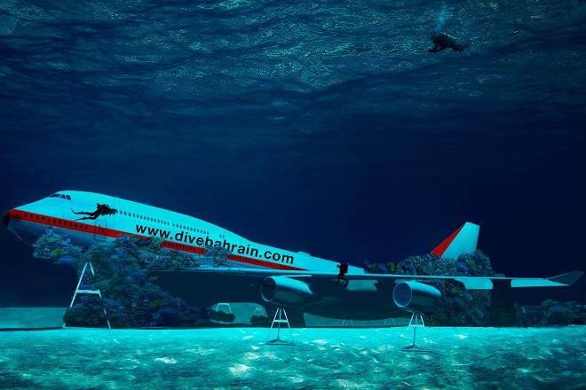 Το μεγαλύτερο θαλάσσιο πάρκο στον κόσμο έχει ένα… Boeing στον βυθό του