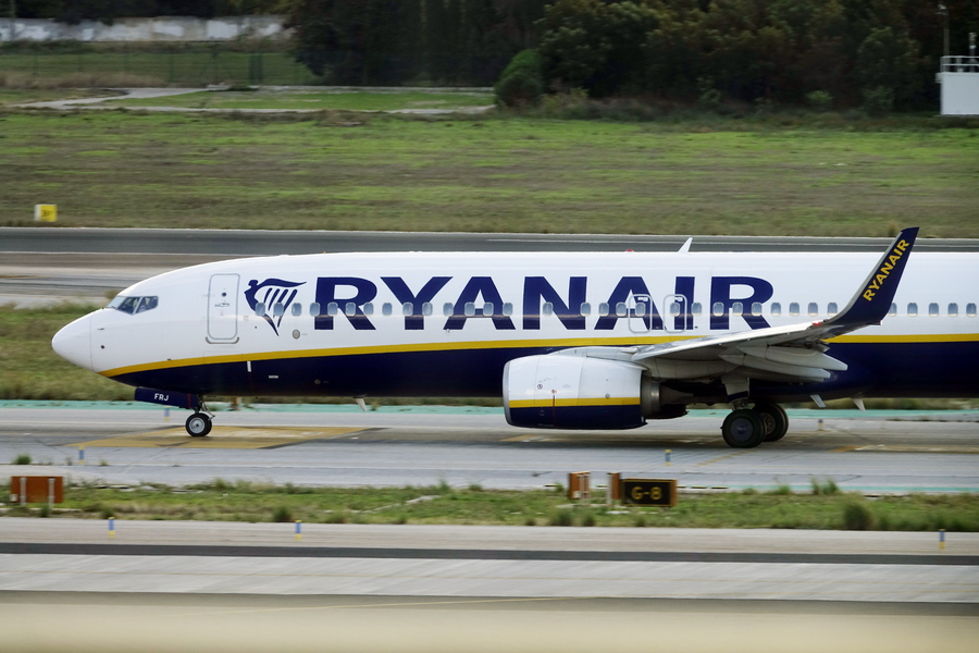 Ryanair: Μείωση 20% στις πτήσεις εξαιτίας της αύξησης των κρουσμάτων
