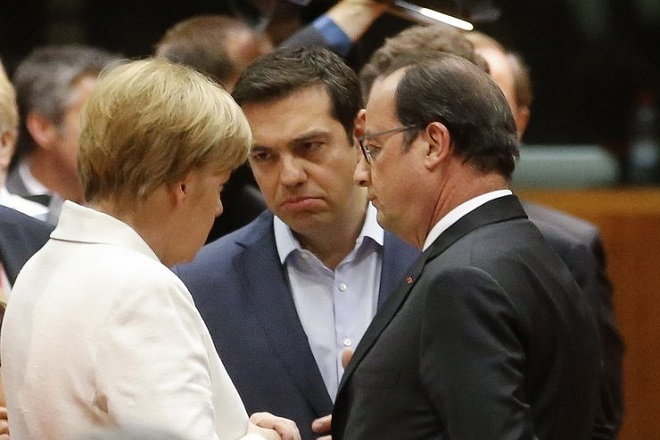 epa04843946 Greek Prime Minister Alexis Tsipras (C) talks with German Chancellor Angela Merkel (L) and French President Francois Hollande at the start of eurozone leaders' summit on the Greek crisis at the European Council headquarters in Brussels, Belgium, 12 July 2015. Greece is teetering on the edge of default, cut off from bailout aid, in arrears to the International Monetary Fund (IMF), owing large debt repayments this month and fending off suggestions that it could soon exit the eurozone.  EPA/OLIVIER HOSLET