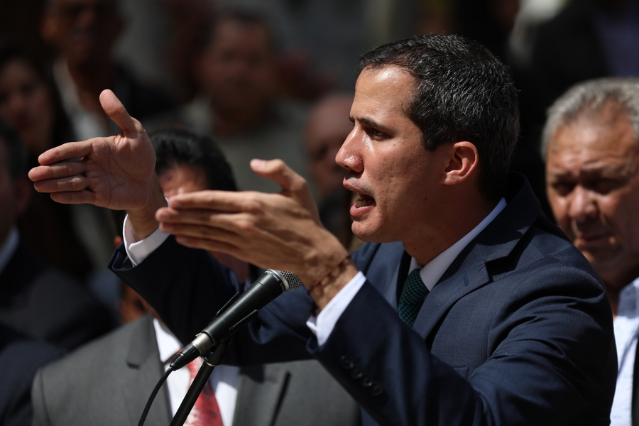 Τον Γκουαϊδό ως μεταβατικό πρόεδρο της Βενεζουέλας αναγνώρισαν 19 χώρες της ΕΕ