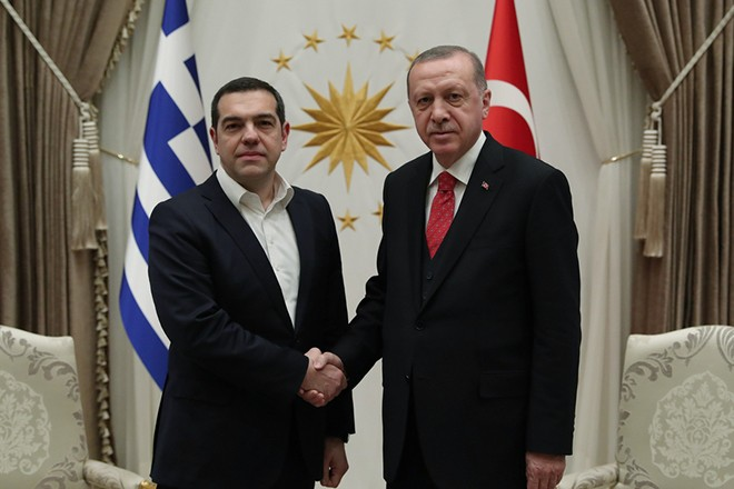 epa07345623 A handout photo made available by the Turkish President's press office shows Turkish President Recep Tayyip Erdogan (R) meeting with Greek Prime Minister Alexis Tsipras (L) in Istanbul, Turkey, 05 February 2019.  EPA/TURKISH PRESIDENT PRESS OFFICE HANDOUT  HANDOUT EDITORIAL USE ONLY/NO SALES