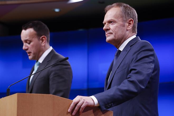 Τουσκ εκτός ορίων: «Ξεχωριστή θέση στην κόλαση για όσους προωθούν το Brexit χωρίς σχέδιο»