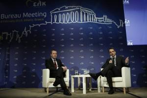 Ο πρόεδρος της ΝΔ, Κυριάκος Μητσοτάκης (Δ) μιλάει δίπλα στον Ευρωβουλευτή και πρόεδρο της Κ.Ο. του ΕΛΚ στο Ευρωπαϊκό Κοινοβούλιο, Manfred WEBER (Α), στην συνεδρίαση του προεδρείου της Κοινοβουλευτικής Ομάδας του ΕΛΚ, στην Αθήνα, Πέμπτη 7 Φεβρουαρίου 2019. ΑΠΕ-ΜΠΕ/ΑΠΕ-ΜΠΕ/ΓΙΑΝΝΗΣ ΚΟΛΕΣΙΔΗΣ