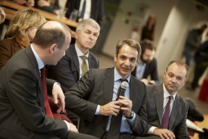 Ο Ευρωβουλευτής και πρόεδρος της Κ.Ο. του ΕΛΚ στο ΕΚ Manfred Weber  και ο πρόεδρος της Νέας Δημοκρατίας  Κυριάκος Μητσοτάκης, επισκέφτηκαν την εταιρεία Workable, την Πέμπτη 7 Φεβρουαρίου 2019, στο Μαρούσι. ΑΠΕ-ΜΠΕ/ΓΡΑΦΕΙΟ ΤΥΠΟΥ ΝΔ/ΔΗΜΗΤΡΗΣ  ΠΑΠΑΜΗΤΣΟΣ