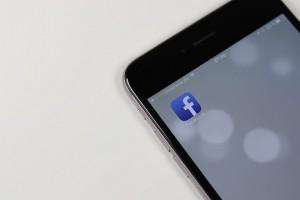 smartphone facebook social media