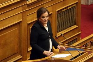 Η πρώην ΥΠΕΞ, βουλευτής της ΝΔ Ντόρα Μπακογιάννη μιλά στη συζήτηση στην Ολομέλεια της Βουλής με θέμα: Κύρωση της Τελικής Συμφωνίας για την Επίλυση των Διαφορών οι οποίες περιγράφονται στις Αποφάσεις του Συμβουλίου Ασφαλείας των Ηνωμένων Εθνών 817 (1993) και 845 (1993), τη Λήξη της Ενδιάμεσης Συμφωνίας του 1995 και την Εδραίωση Στρατηγικής Εταιρικής Σχέσης μεταξύ των Μερώv, Πέμπτη 24 Ιανουαρίου 2019. ΑΠΕ-ΜΠΕ/ΑΠΕ-ΜΠΕ/Αλέξανδρος Μπελτές