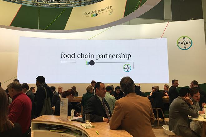 Το στοίχημα της Bayer να αλλάξει τη γεωργία