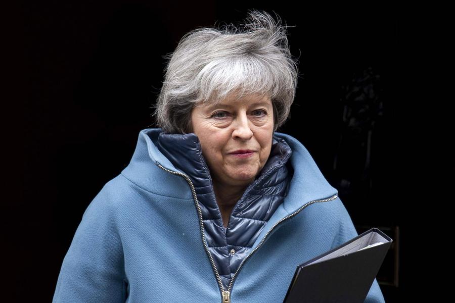 Κι άλλο χρόνο προσπαθεί να κερδίσει η Τερέζα Μέι – Νέα προειδοποίηση από τον διοικητή της Τράπεζας της Αγγλίας