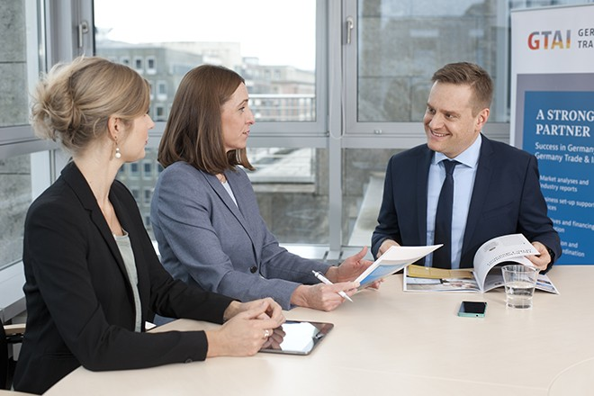 Corporate-Foto_Beratungsgespraech_0672_Copyright GTAI-Illing & Vossbeck ...[12615]