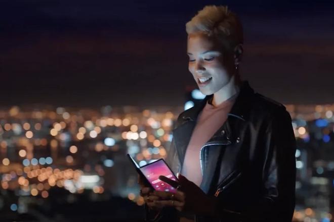 Η Samsung το επιβεβαιώνει: Το αναδιπλούμενο smartphone παρουσιάζεται στις 20 Φεβρουαρίου