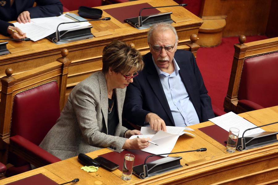 Οι διαρροές της Συνταγματικής Αναθεώρησης: Ποιοι κυβερνητικοί βουλευτές δεν ακολούθησαν τη γραμμή ΣΥΡΙΖΑ