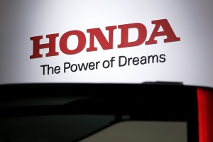 epa06288224 The logo of Honda Motor Co. is seen at the 45th Tokyo Motor Show 2017 in Tokyo, Japan, 25 October 2017. The Tokyo Motor Show will be open to the general public from 28 October to 05 November 2017.  EPA/KIYOSHI OTA