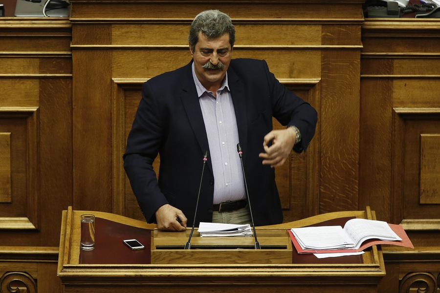 Υπόθεση Πολάκη – Στουρνάρα στη βουλή: Τι είπε ο υπουργός, πώς απάντησε η αντιπολίτευση