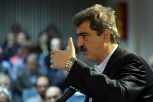Ο αναπληρωτής υπουργός Υγείας Παύλος Πολάκης μιλάει στο κτίριο της Κεντρικής Υπηρεσίας του Εθνικού Κέντρου Άμεσης Βοήθειας, Δευτέρα 14 Ιανουαρίου 2019. Ο υπουργός παρέστη στην τελετή θεσμοθέτησης της 14ης Ιανουαρίου ως ημέρα «Θυσίας του Διασώστη», ημέρα πτώσης του πρώτου ελικοπτέρου του ΕΚΑΒ το 2001 και του θανάτου πέντε ανθρώπων. ΑΠΕ-ΜΠΕ/ΑΠΕ-ΜΠΕ/ΟΡΕΣΤΗΣ ΠΑΝΑΓΙΩΤΟΥ
