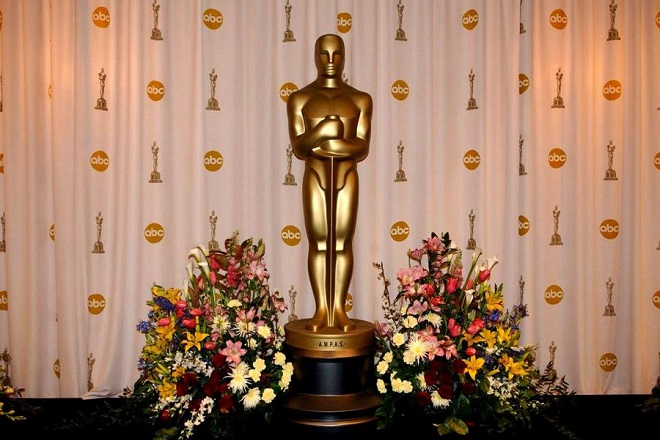 UK OUT, NO MAGS,  SALES, ARCHIVES, INTERNET PAP77 - 20030323 - LOS ANGELES, UNITED STATES : An Oscar statue on the stage in the General Photo Room at the 75th Academy Awards at the Kodak Theatre, Los Angeles, USA. The Academy Awards, Oscars, will take place later this evening, Sunday 23 March 2003.  EPA PHOTO PA/IAN WEST/MJS