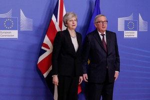 epa07383436 British Prime Minister Theresa May (L) is welcomed by European commission President Jean-Claude Juncker (R) ahead to a meeting on Brexit in Brussels, Belgium, 20 February 2019. May is in Brussels to discuss Brexit and related issues.  EPA/OLIVIER HOSLET
