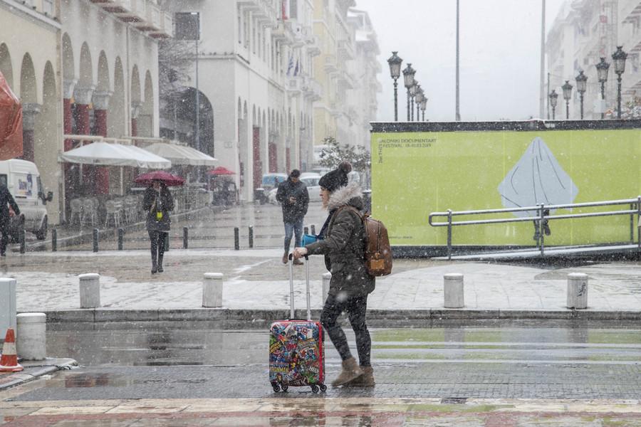 Επιδείνωση του καιρού σήμερα με χιόνια, βροχές και πτώση του υδράργυρου