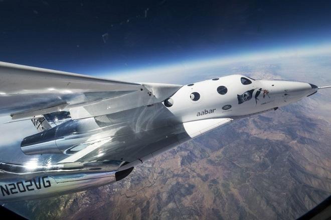 Το SpaceShip Two της Virgin Galactic πέταξε για πρώτη φορά με επιβάτη στα σύνορα του διαστήματος