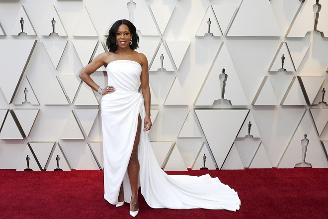 epa07394415 Regina King arrives for the 91st annual Academy Awards ceremony at the Dolby Theatre in Hollywood, California, USA, 24 February 2019. The Oscars are presented for outstanding individual or collective efforts in 24 categories in filmmaking.  EPA/ETIENNE LAURENT