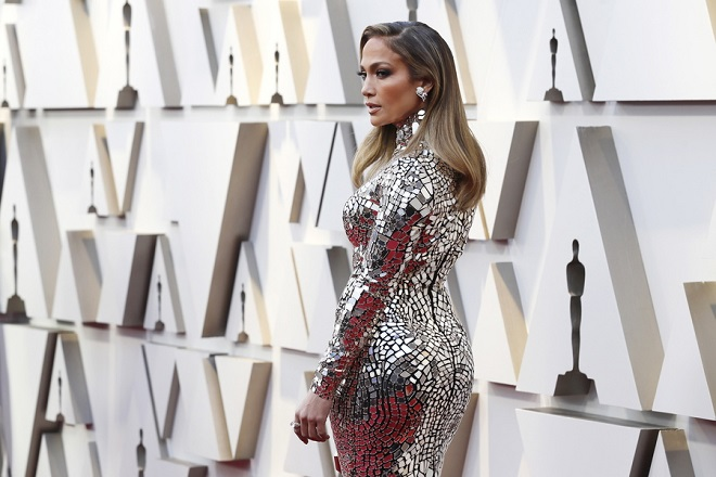 epa07394869 Jennifer Lopez arrives for the 91st annual Academy Awards ceremony at the Dolby Theatre in Hollywood, California, USA, 24 February 2019. The Oscars are presented for outstanding individual or collective efforts in 24 categories in filmmaking.  EPA/ETIENNE LAURENT