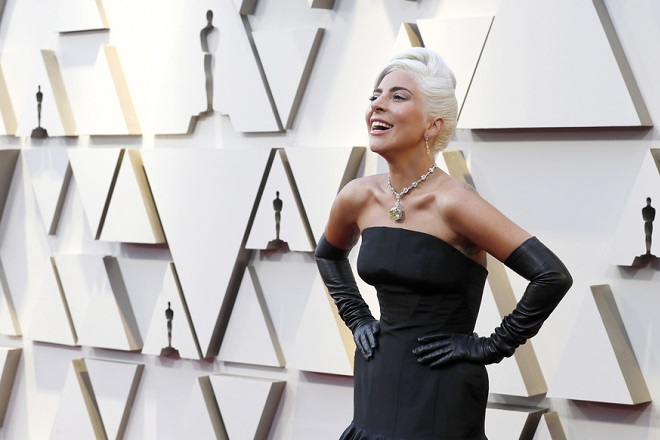 epaselect epa07394750 Lady Gaga arrives for the 91st annual Academy Awards ceremony at the Dolby Theatre in Hollywood, California, USA, 24 February 2019. The Oscars are presented for outstanding individual or collective efforts in 24 categories in filmmaking.  EPA/ETIENNE LAURENT