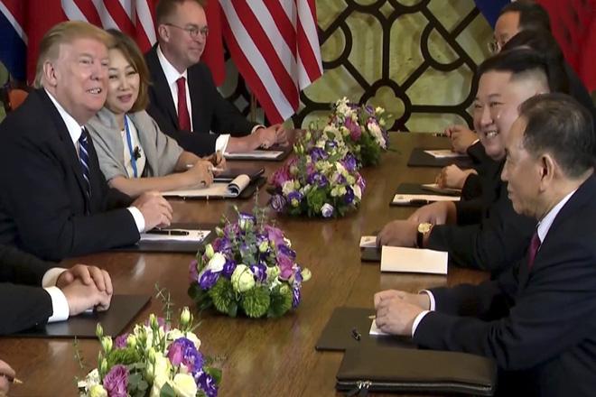 Χωρίς συμφωνία έληξε η συνάντηση Ντόναλντ Τραμπ – Κιμ Γιονγκ Ουν