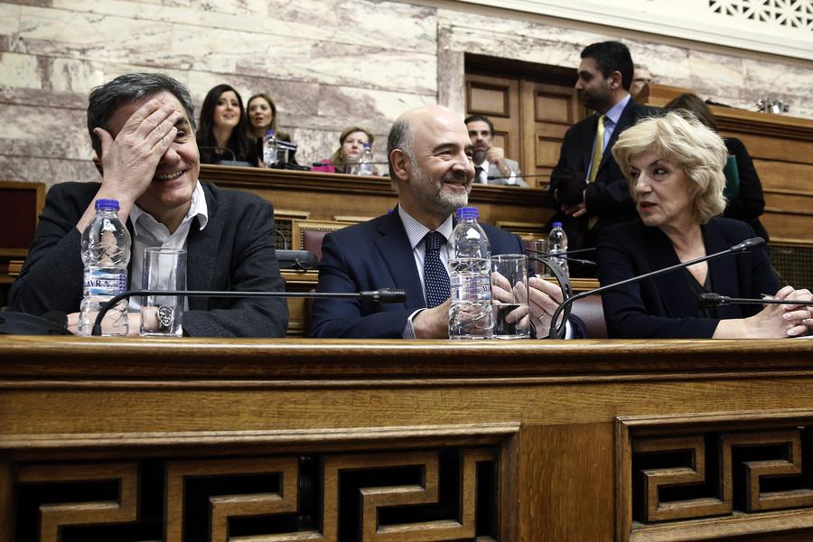 Έκπληξη Μοσκοβισί: Μη ρεαλιστικά τα πλεονάσματα για την Ελλάδα – Κάποια στιγμή πρέπει να μειωθούν