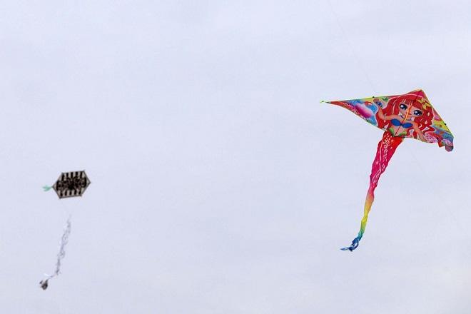 Θεσσαλονικείς όλων των ηλικιών γιορτάζουν τα Κούλουμα πετώντας χαρταετό στον Κέδρινο Λόφο (Σέιχ-Σου), Θεσσαλονίκη, Καθαρά Δευτέρα 19 Φεβρουαρίου 2018. ΑΠΕ ΜΠΕ/PIXEL/ ΣΩΤΗΡΗΣ ΜΠΑΡΜΠΑΡΟΥΣΗΣ