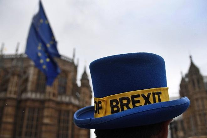 Από μια κλωστή κρέμεται η συμφωνία για το Brexit