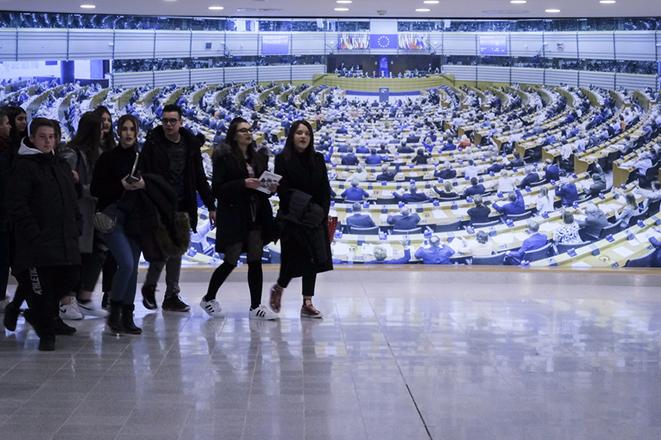 «Όχι» των 28 της ΕΕ στη «μαύρη λίστα» των χωρών για ξέπλυμα χρήματος
