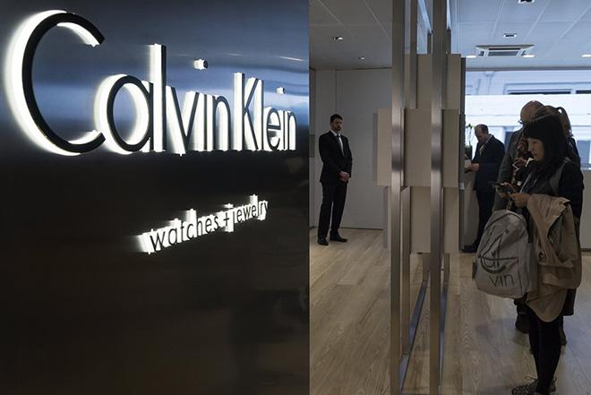 Στροφή από την πολυτέλεια προς το ευρύ κοινό κάνει η Calvin Klein