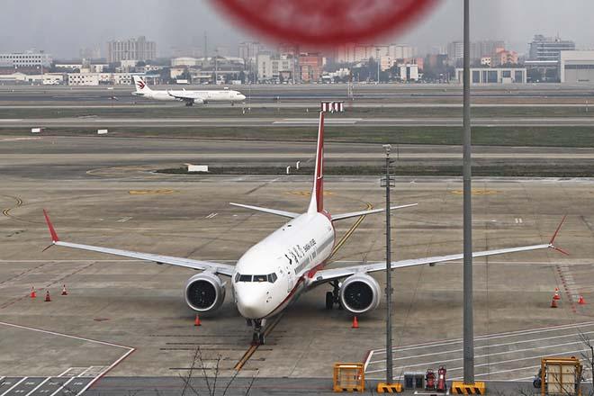 «Κλείνουν οι αιθέρες» για τα αεροσκάφη Boeing 737 Max – Σε κατακόρυφη πτώση η μετοχή της εταιρείας