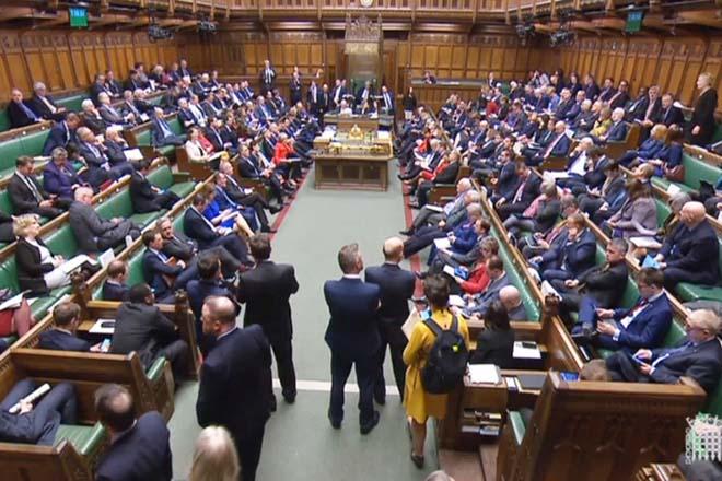 Τι ψηφίζουν σήμερα οι Βρετανοί βουλευτές για το Brexit