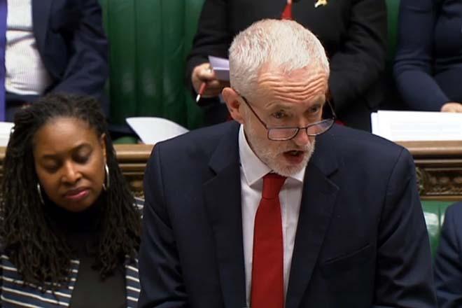 Τζ. Κόρμπιν: «Αντισυνταγματική και αντιδημοκρατική» η επιβολή ενός Brexit χωρίς συμφωνία