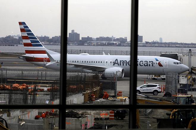 Μεγαλώνει η λίστα των χωρών που «καθηλώνουν» τα Boeing 737 MAX