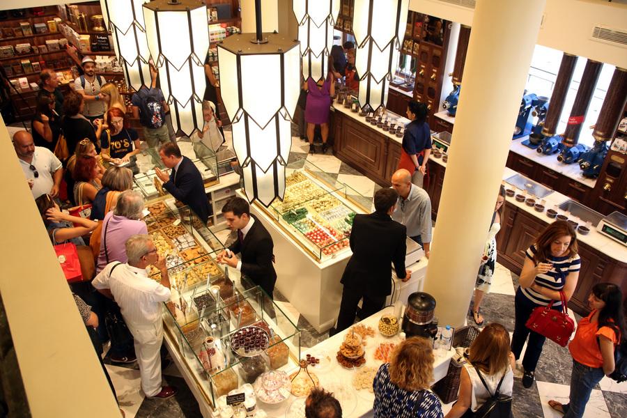 Ένας αιώνας Καφεκοπτεία Λουμίδη: Ποιες εκπλήξεις ετοιμάζει για φέτος το ελληνικό brand