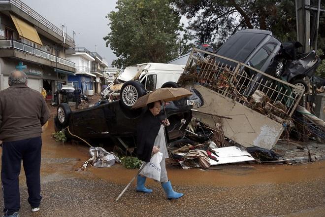 Εισαγγελία κατά Δούρου και οκτώ ακόμη ατόμων για τη φονική πλημμύρα στη Μάνδρα